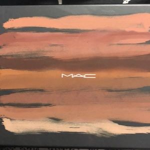 MAC COSMETICS EYESHADOW EMPTY PALLET CASE